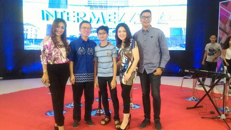 INews TV: Live Talkshow: Intermezzo
